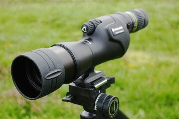 angled vs straight spotting scope for birding